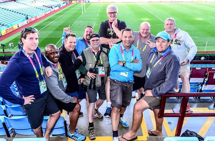 A fitting tribute to #duifdutoit today at Villa Park. All the SA journos wore shorts in the cold. His trademark. RIP http://t.co/8JGsFyBSrt