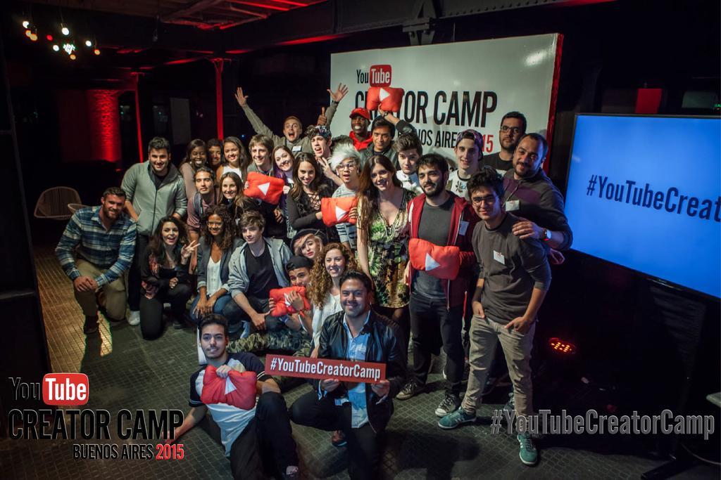 Cierre del primer día del #YouTubeCreatorCamp con grandes creadores de Argentina, Colombia, Chile y Perú. http://t.co/uIbs8exKXP