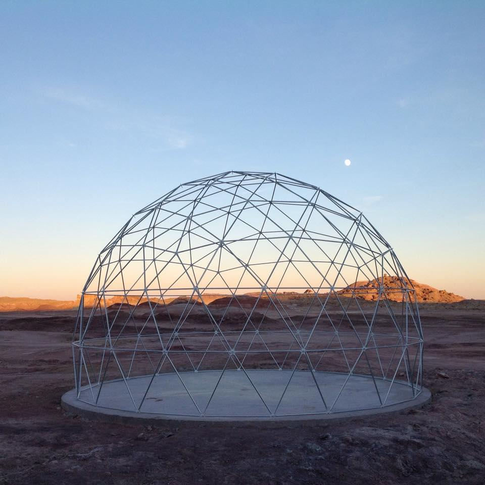 A photo of the geodesic dome frame built at the Mars Desert Research Station. It'll serve as the new GreenHab. http://t.co/s3TO1lWsol