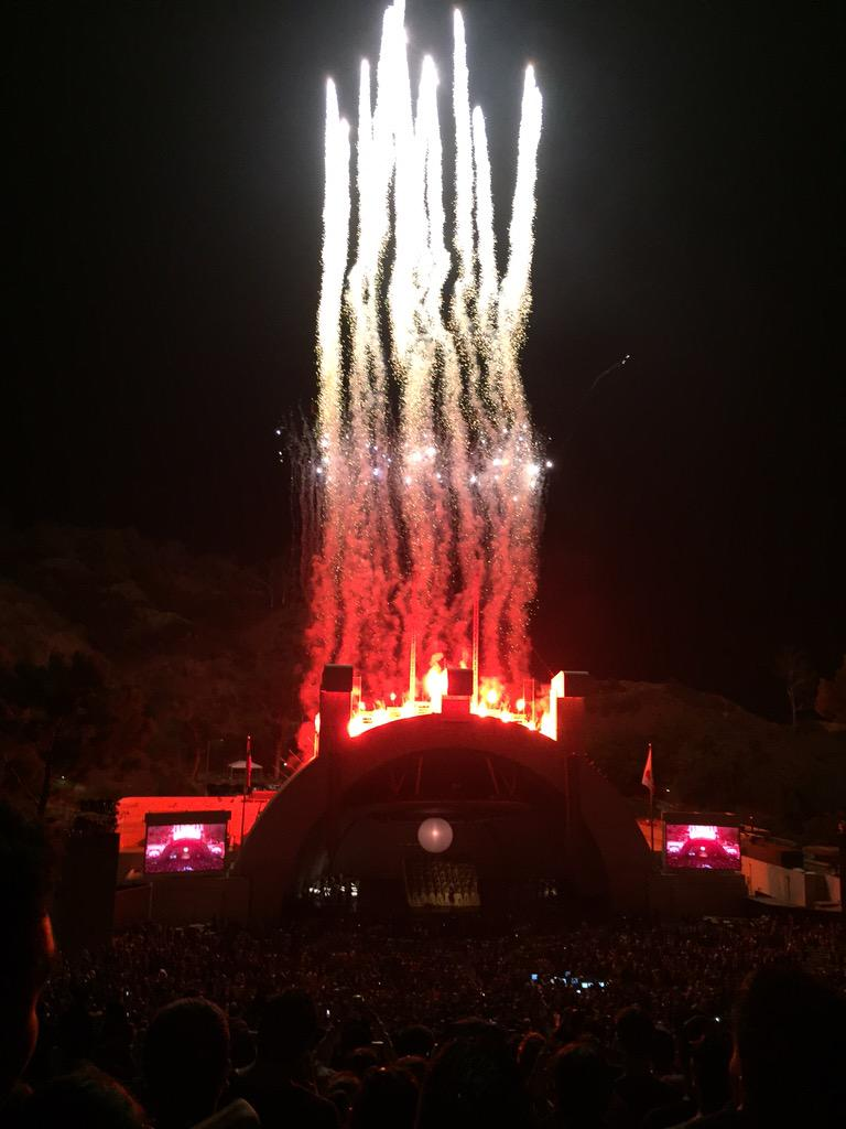 When DONDA does fireworks, they do fireworks right. #808sandheartbreak http://t.co/7wywVz4IzW