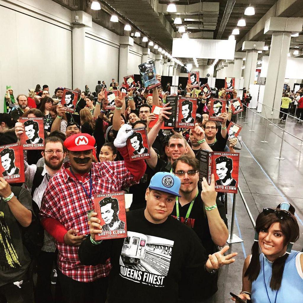 All of these fans are pumped to be the very first to snag a copy of @johnleguizamo's #ghet… http://t.co/Qerc5rZte3 http://t.co/BtDsiucnGj