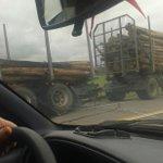 @chanchosUY ojo camino prendido fuego en ruta 9 km 121 hacia Montevideo http://t.co/bvKjGjfwTb