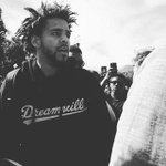 J. Cole at the 20th anniversary celebration of the Million Man March in D.C. http://t.co/6u3al9SV7U