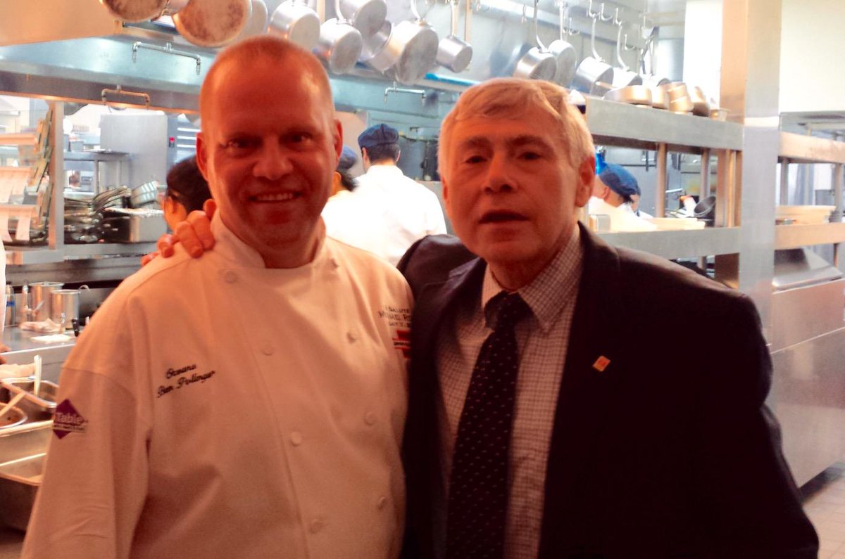Great chat at the chefs table with Executive Chef @BenPollinger @OceanaNYC .. Super place to dine! :) http://t.co/nHRGeZqjIQ