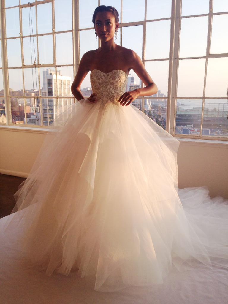 Tulle with a view for @MarchesaFashion bridal fall 2016 #nybfw #NewYorkBridalFashionWeek http://t.co/LzxGxCmB7m