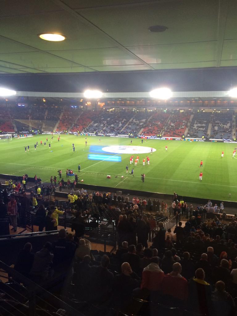 The atmosphere is building at Hampden! Come on Scotland!! #ViolaFC http://t.co/D5gIoZCtVG