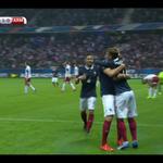 OUVERTURE DU SCORE POUR LA FRANCE !!! Benzema sert Griezmann qui fusille du droit le gardien ! #FRAARM http://t.co/zfO9UbCKmb