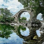 El famoso puente de #CangasDeOnís #Asturias by fotoluissantiago http://t.co/7OWR3XOIAw