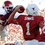 From Millards hurdle to Murrays leap to #Superman, OU-Texas Top 10 in the Stoops era: http://t.co/e64MM8aNQJ http://t.co/QltDVI7Oyt