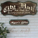 Mayor Karolyis name has been removed from the outside of city hall. http://t.co/yfV5pGp8yt