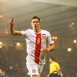 Robert Lewandowski sest offert un doublé avec la Pologne ce soir. Match nul 2-2 face à lEcosse ! http://t.co/dsv6aP1jyz