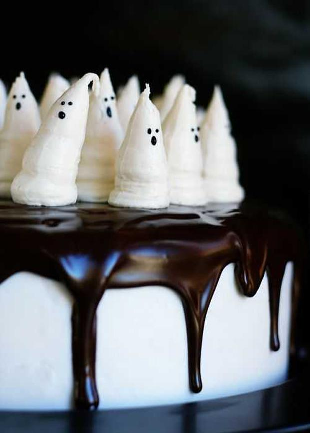 Ok. Seriously YUM. Bootiful Halloween Cake. http://t.co/mMx1fljzBn #halloween #desserts #sweets #recipes http://t.co/Bm6miQOkgU