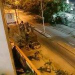 Guarenas #LaRebelionEsLaSolucion Cacerolazo, lanzarle agua sucia y basura a los esbirros del régimen. Que se vayan!! http://t.co/jUlx970T97