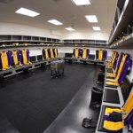 The Lakers locker room dressed and waiting for the teams arrival http://t.co/iCPULpoY1K