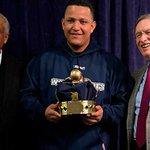 Miggy exhibirá su triple corona en el Museo de Beisbol Venezolano http://t.co/Z45mdMilCX http://t.co/rlUXTgh4uX