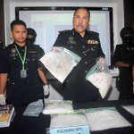 4 arrested, drugs worth RM2m seized in Selangor http://t.co/3p4TBqlCjh @PDRMsia http://t.co/MRXijBY8lp