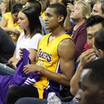 Hes a man of the people. #GoLakers http://t.co/31QFsmfTKX