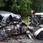 Pensyarah UPSI maut kemalangan jalan raya babitkan tiga kenderaan di Gua Musang http://t.co/vz9uB80Ccv http://t.co/F6zuEDH3cA