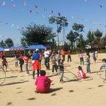 #성남시 #수진2동 수정초등학교에서 점심을 든든히 먹은 후 2부 지구를 굴려라, 어린이훌라후프경기들이 진행중입니다! http://t.co/wHebXPmsO9