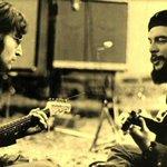 Леннон и Че Гевара. Леннон родился 9 октября и сегодня ему исполнилось бы 75. Товарищ Че был расстрелян 9 октября. http://t.co/nmAaTTJhzE