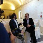#AVANCE .@PacoMugica entrevista al periodista @paclobaton, premio Especial Ciudad de #Jerez por su trayectoria. http://t.co/9I5hGW7bKO