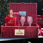 RT@hellomag Its #FreebieFriday RT & FW to #WIN a @piperheidsieck Champagne basket to start the weekend off in style. http://t.co/QJI4E8y0PL