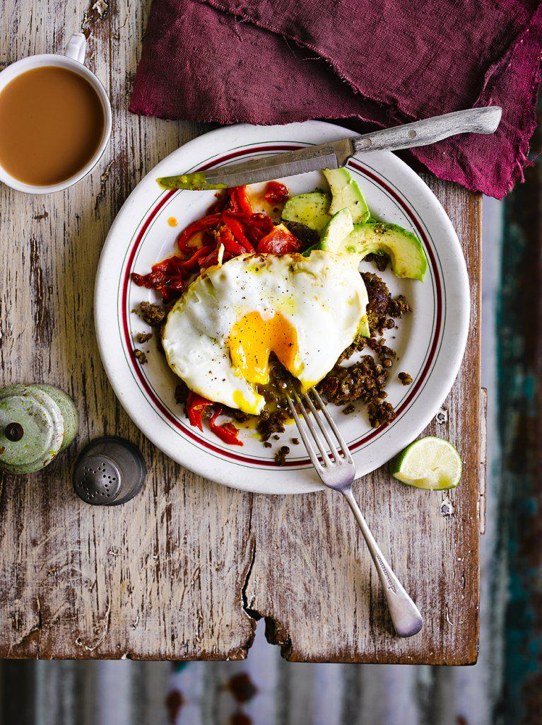 #Recipeoftheday Refried lentils with eggs, salsa from the latest issue of @JamieMagazine http://t.co/ghUbJ4Tt2D http://t.co/jR2ABWBG4i