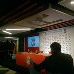 Waiting for the arrival of Jurgen Klopp #LFC http://t.co/YkEL6yuSV6