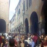 #Padova studenti arrivano in via s.Francesco per rivendicare #reddito e accesso libero alla formazione ! http://t.co/mJiibG69d3