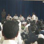 Congress VP Rahul Gandhi interacting with farmers in Mandya, Karnataka #RGWithFarmers http://t.co/ejVDXxJx8g