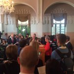 Kaci Kullmann Five announces the #NobelPeacePrize to the Tunisian National Dialogue Quartet http://t.co/lQ8zA0gxIq http://t.co/2oTY6ezMtf