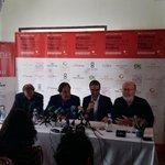 @jfhila da la bienvenida a Oliver Stone en Palma @passionforpalma @ajuntpalma http://t.co/5NPKZnNc94