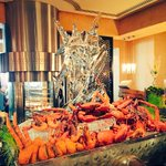 Dont miss out on the #Seafood Counter with all the freshest catches! #TGIF #Brunch #mydubai http://t.co/xD8xnKRrPL