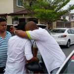Kidnapped boy reunited with family in Kajang, thanks to cabbie http://t.co/wFUMDxF6eb http://t.co/mqdDQoDLti