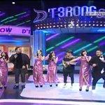 Asik banget! Semuanya goyang bareng @officialJKT48 nih. #DTerongShow http://t.co/VO1481xKcx