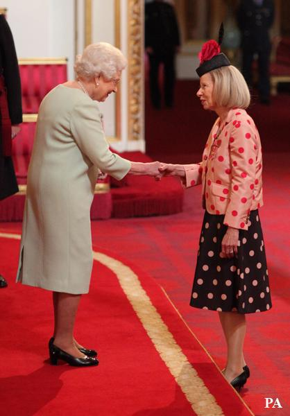 Congrats to Liz Robb OBE who collected her honour today @FNightingaleF Read her blog here http://t.co/nfhvUbFpP9 http://t.co/oxMd4dB721