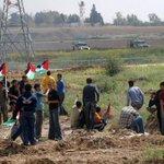 وأبت #غزة العزة إلا أن تشارك في قوافل الشهداء 4 شهداء و 20 اصابة في المواجهات بالقرب من موقع ناحل عوز شرق #غزة http://t.co/rLFJal9Dd6