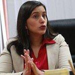 Verónika Mendoza gana las elecciones ciudadanas del Frente Amplio, según avance al 70%. http://t.co/NbWEMpEvPm http://t.co/aHFTqhwlNs