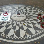 Strawberry Fields ahora, a 75 años del nacimiento de John Lennon. http://t.co/qwNs0XTffY