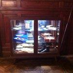 Este sábado de Patrimonio en la Casa del Partido se presentarán varios objetos propiedad de Servidores del Partido. http://t.co/35TIGjAaec