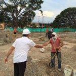 Alc @FredysSocarrasR inspecciona obras del Centro de desarrollo infantil en barrio Los Milagros #AquiEstanLasOBRAS http://t.co/EWdN6v33mX