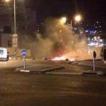 #صورة المواجهات المستمرة أمام مدخل مدينة أم الفحم في الداخل الفلسطيني المحتل #انتفاضة_القدس #الانتفاضة_انطلقت http://t.co/MKTT5JclL5