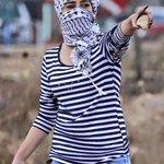 حلوةٌ أنتِ.. كالحجارة! #فلسطين_تنتفض http://t.co/tuYzHxXf13