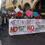 #padova #9ott comunicato student* @UniPadova in piazza contro #nuovoisee e #buonauniversità! http://t.co/t5Asp0BHGN http://t.co/QbVoxer4kR
