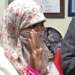 Zunera Ishaq, who challenged ban on #niqab, takes citizenship oath wearing it http://t.co/dOhI8Rao9l #elxn42 http://t.co/BaZFC9pyW9