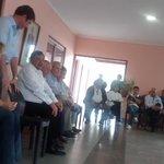 [Ahora] los candidatos del #FrenteParaLaVictoria charlan con los vecinos #LaColonia @javierdavid72 @miguelisaok http://t.co/P1iF45kYb4