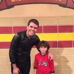 RT @AugustMaturo: TONIGHT! @perezhilton visits John Quincy Adams Middle School in #GirlMeetsRahRah right after #InvisibleSister at 8pm