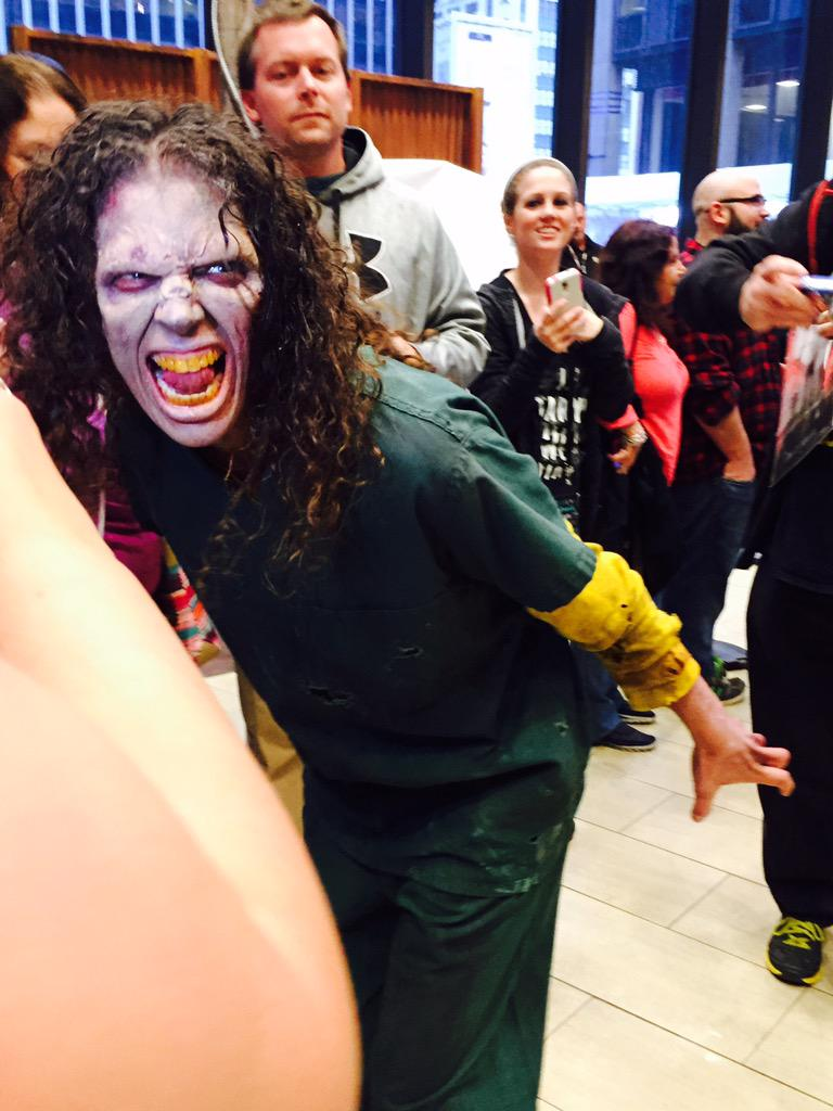 #TWDFanPremiere THIS WALKER IS THE BEST OK http://t.co/wMO1GOCIRG