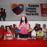 @marypilih estoy aqui para luchar y hacer irreversible la revolución, como lo dijo nuestro Robert Serra #ChavezVive http://t.co/POmiLjil9q