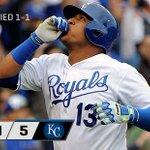 Royals win! Series tied 1-1. http://t.co/QOnZEmFuDR http://t.co/HvIiTI31Qz